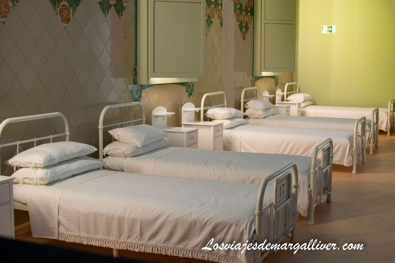 Pabellon con camas del Hospital de Sant Pau en Barcelona - Los viajes de Margalliver